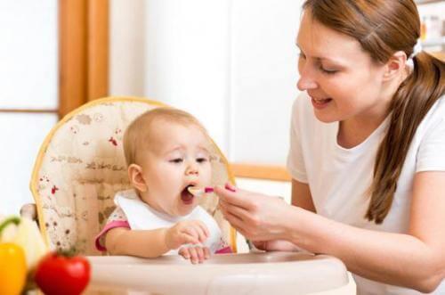 پرستار کودک در منزل - مراقبت از کودک در منزل