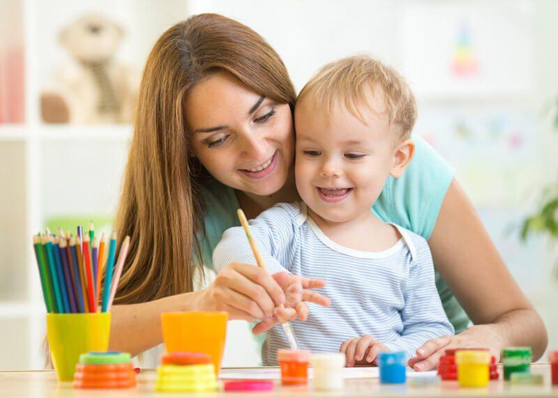 پرستار کودک در منزل - نگهداری از کودک در منزل